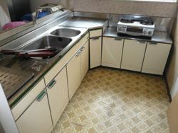 収納力を重視したキッチン取替え:導入前の様子